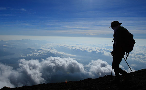 魅力いっぱいの独り歩きの山