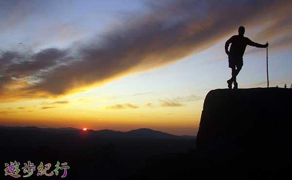 夜間ハイキング