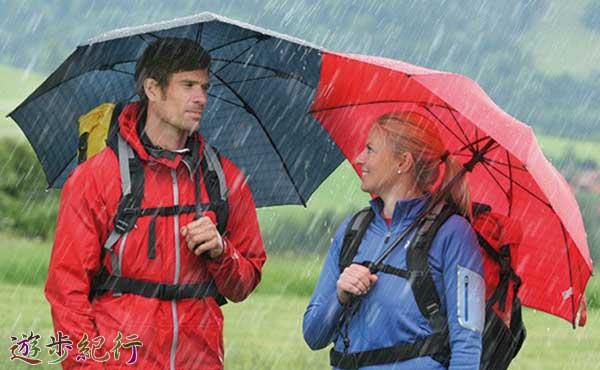 傘も山で役に立つ便利な万能道具、知らないと損をする?