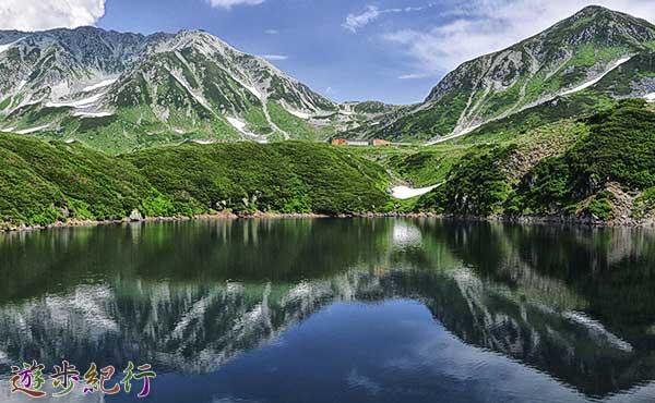立山禅定道。現代の立山に、かつての信仰の道をたどる