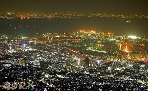 山頂から神戸一望、絶景が広がる六甲山系摩耶山