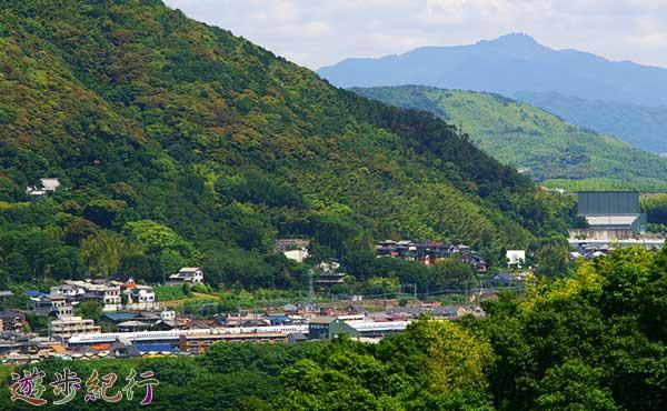 「天下分け目の大決戦」の舞台を見下ろす、京都西山の天王山に登る